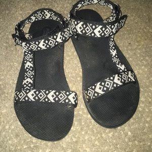 Chaco Like Shoes